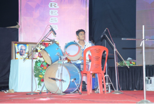 Singing in Expression 2K19 at PCCOER.